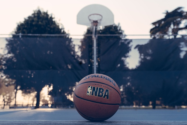 What is the duration of a standard basketball game quora about 45 min fandeluxe Choice Image