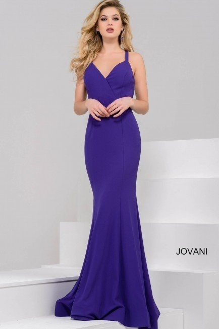 What are some best dresses (especially gowns) for farewell party for ...