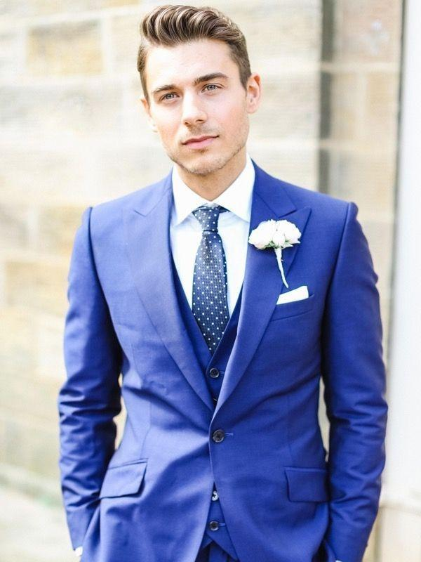 What color shirt and tie should i wear on a navy blue suit for Blue suit shirt ideas