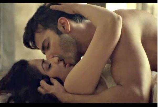 Hot kiss videos