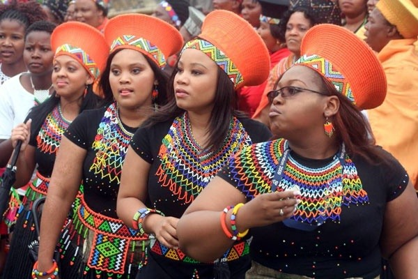 What Are Some Examples Of Zimbabwe's National Dress?