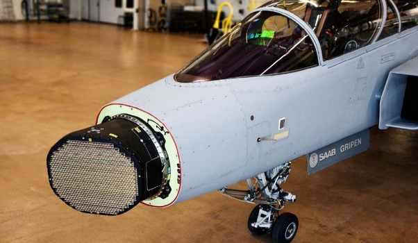 How does an F-35 radar compare to the radar fitted to a Gripen E/F