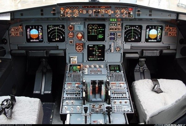 How Can One Identify An A320 Vs  An A330 Flight Deck