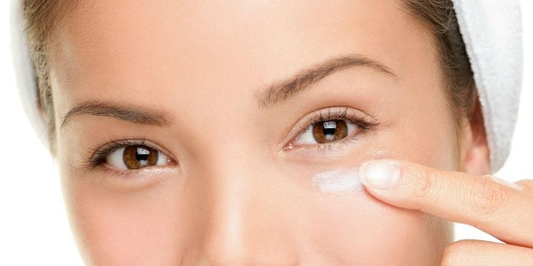 Can we use coconut oil to get rid of dark circles under the eyes
