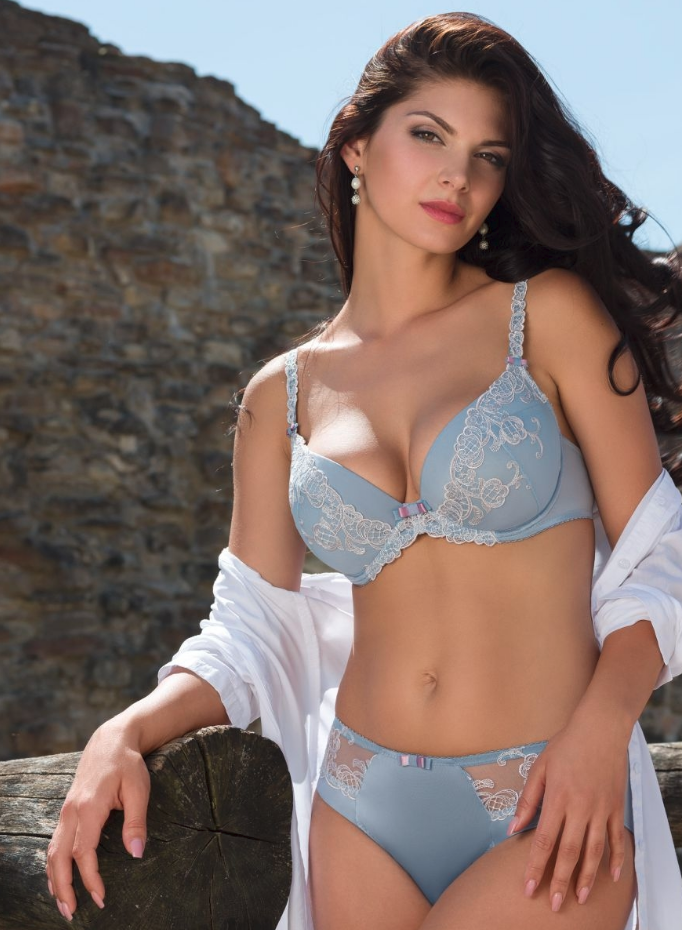 ef5aa221d7 A Push up bra is one of the sexy bras that add a shade of romance to your  outfits. Most Pushup bra comes with the levels of padding in it which push  ...