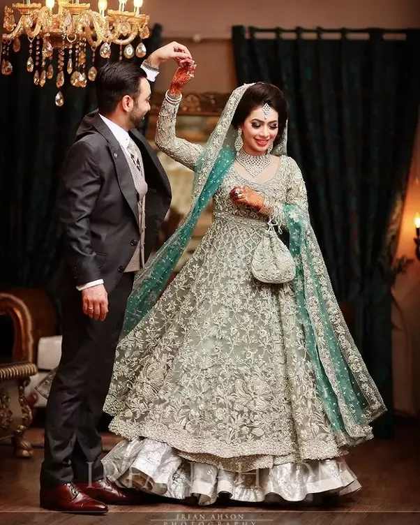 Red Pakistani Wedding Dresses: In Pakistan, What Is The Symbolization Of A Red Wedding