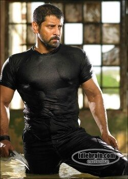 Did vikram bulk up and reduce weight during the course of the movie bheema the rogue altavistaventures Choice Image