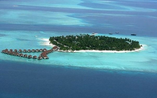What Is The Best Time To Visit Vaadhoo Island In Shades Of