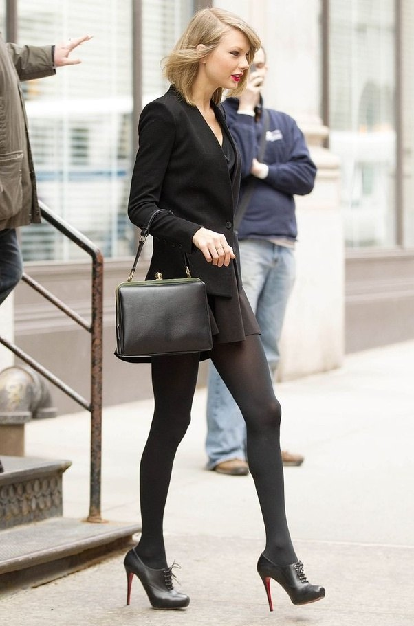 Who are some celebrities known for wearing tights?