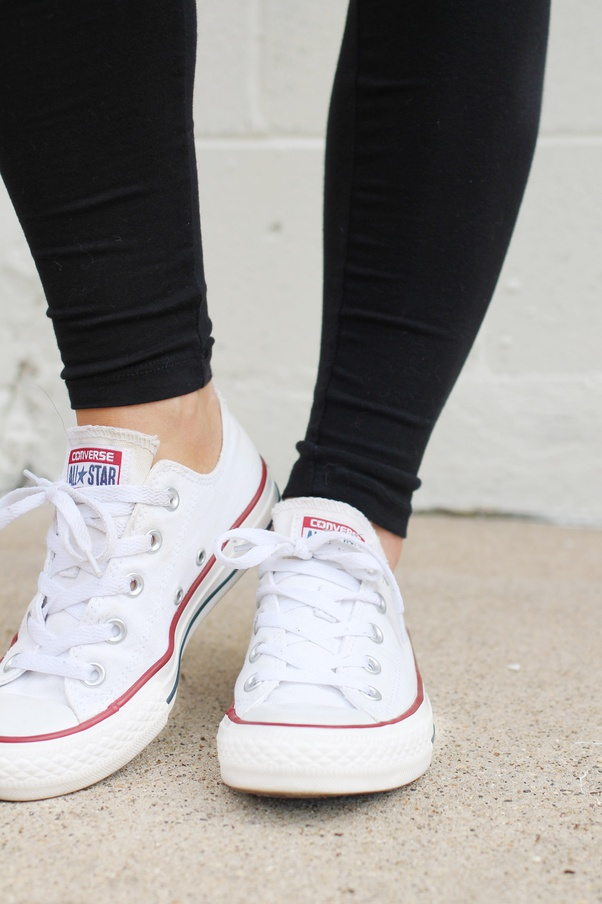 Donación Conversacional cerrar  How to wear Converse and leggings together - Quora