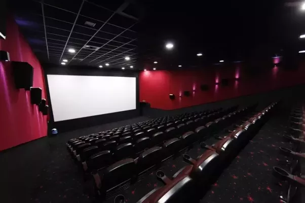 visit on cinema hall Visit luna cinema hall place, bexley for night life activities find the reviews & ratings, timings, location details & nearby attractions at inspirockcom.