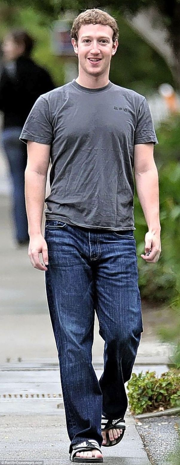 Jeans what with grey shirt color Quick Answer: