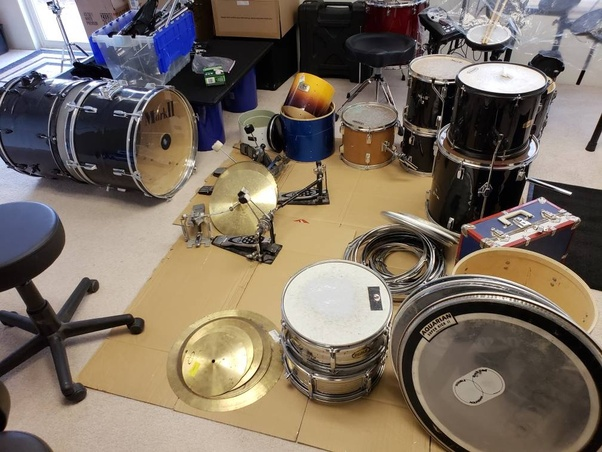 How to make a drum with household items