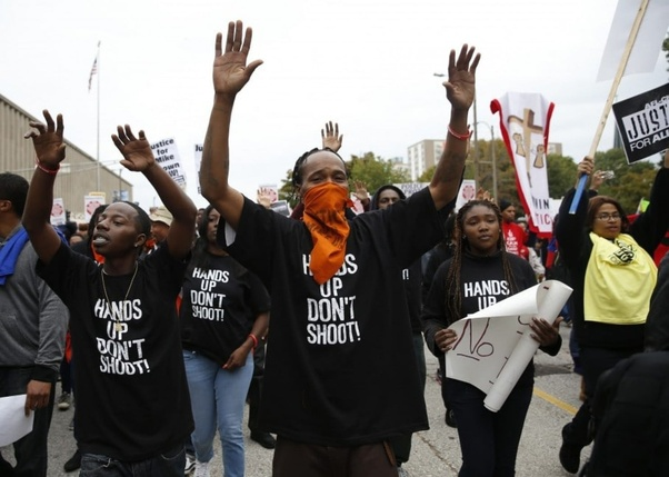 Did 'hands up, don't shoot' actually happen in Ferguson? - Quora