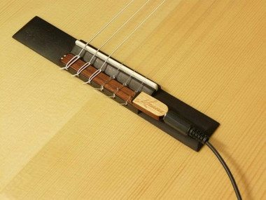 why do most electric guitars have the same pickup for neck and bridge slots quora. Black Bedroom Furniture Sets. Home Design Ideas