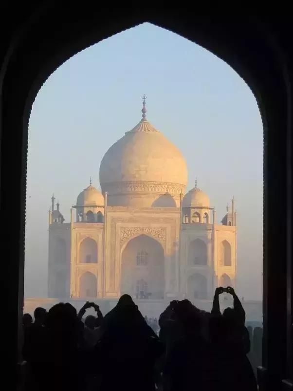 The Taj Mahal: A Marble Tribute to a Persian Princess