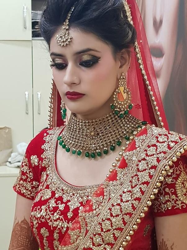 Guneet Virdi - Famous Makeup Artists from Delhi.