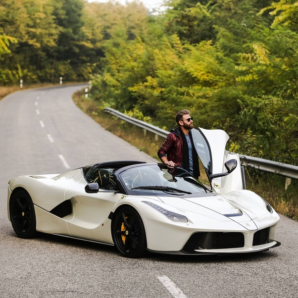 Why Is The Ferrari Laferrari Restricted To A Top Speed Of 220 Mph? It Has  More Than 900 Hp, And I Am Sure It Can Go Much Faster, In Spite Of The ...