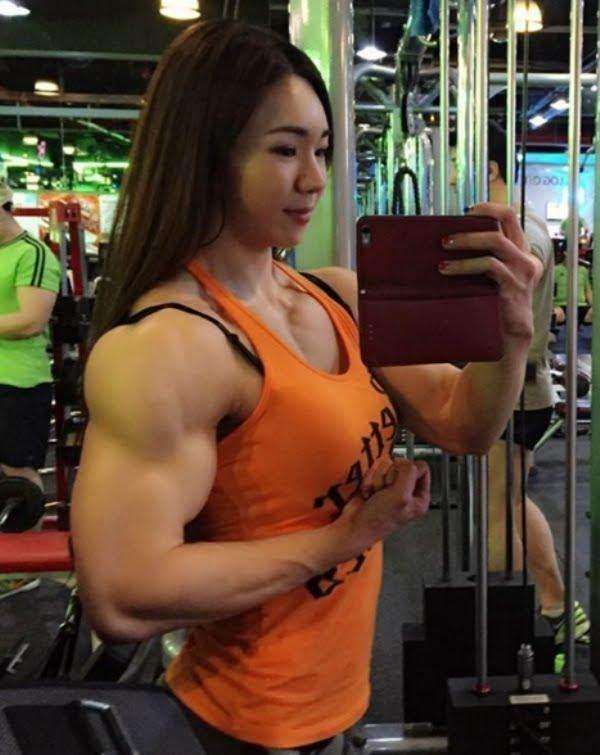 female-bodybuilder-sexy-ass