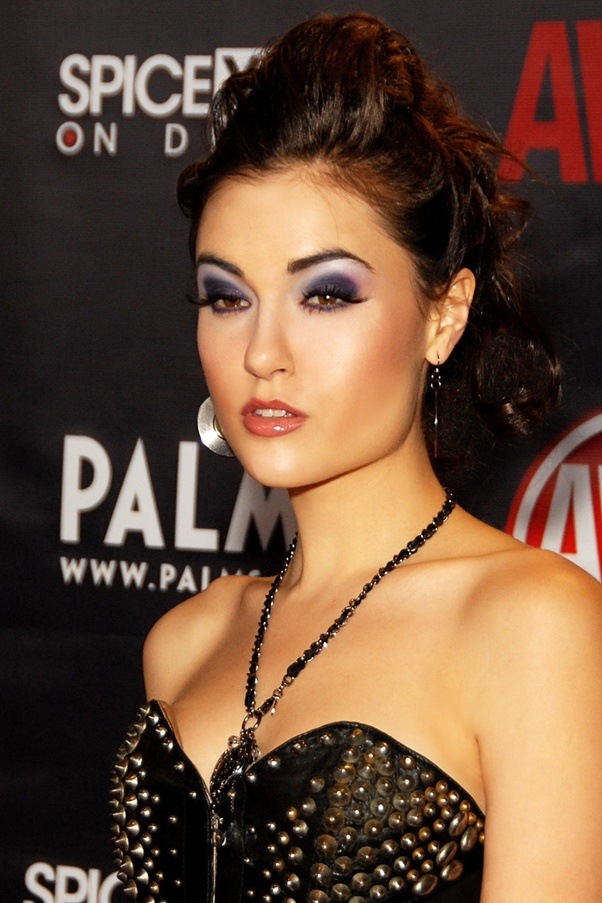 Why do people like Sasha Grey? Did she write Grey\'s Anatomy? - Quora