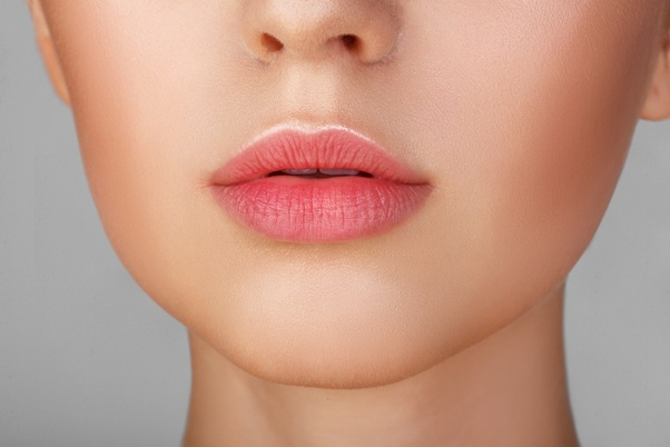 Does lip balm causes blackening of lips? - Quora