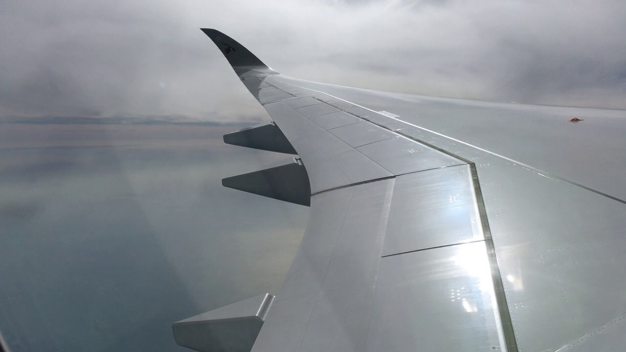 Why do Boeing aircraft have wing flex? - Quora