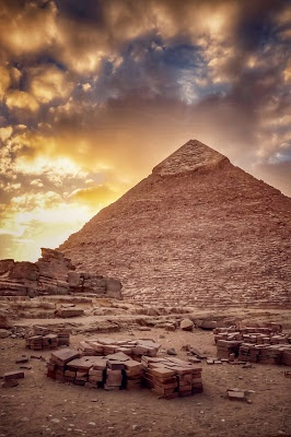 What's so special about the pyramid of Giza? - Quora