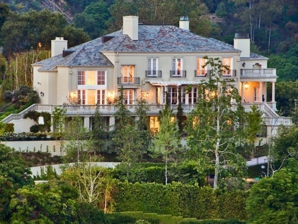 What is the actual location of Tony Stark's mansion in real life