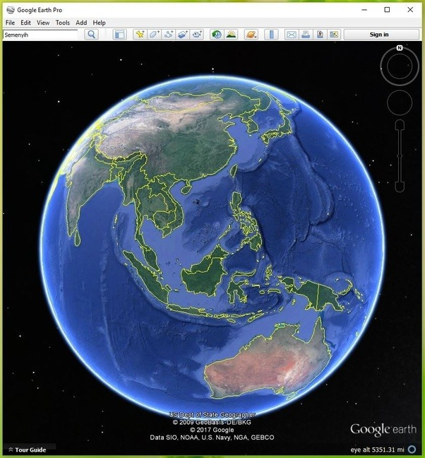 Do you have a picture of a flat earth world map quora now lets turn on the grid so we can see the latitudes eastwest lines and longitudes northsouth lines notice how the longitude lines meridians gumiabroncs Choice Image