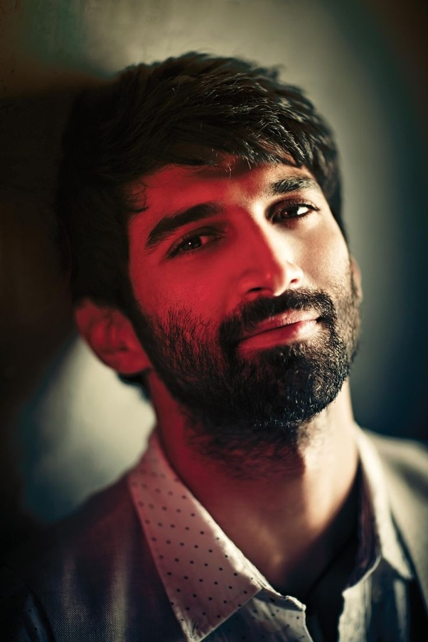 Beard And Moustache Are The Latest Fashion For Men In India, Everyone Want  To Have A Bearded Look Like Shahid Kapoor Or Virat Kohli.