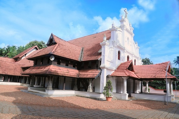 Why are churches in South India installing Dwajasthambams