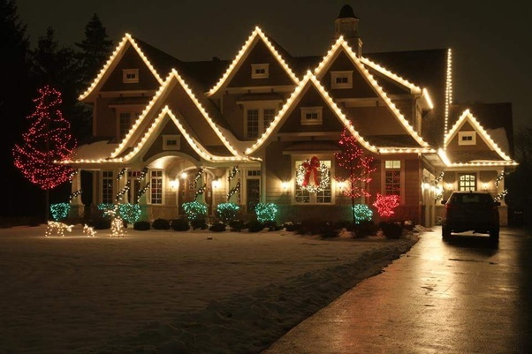 Do Americans Really Put Lights All Over The Outside Of Their