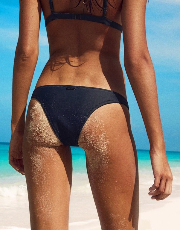 bikini-cuts-ad-for-girls-risk-of-multiple-vaginal-yeast-infection