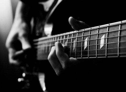 What Is The Best Website For Learning Guitar Chords Along With Easy