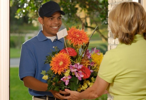 I want to send flowers from india to my best friend who is living in if you want to send flowers to chicago at most economical way then find the local florist of chicago who can deliver your flower gifts at lowest cost sciox Gallery