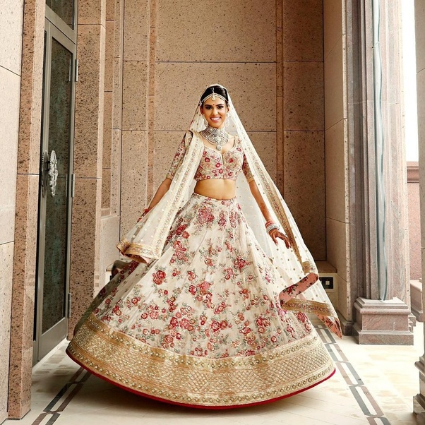 What kind of dress an Indian bride prefer to wear? - Quora