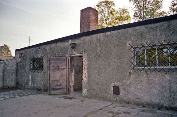 2005 photo of what is officially believed to be the original entrance door .(source) & In the Holocaust were the gas chamber doors really made out of wood ...