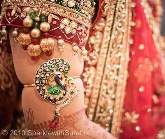 Why Do Brides Wear Garters On Their Wedding Day: What Does A Bride Wear In A Gujarati Wedding?