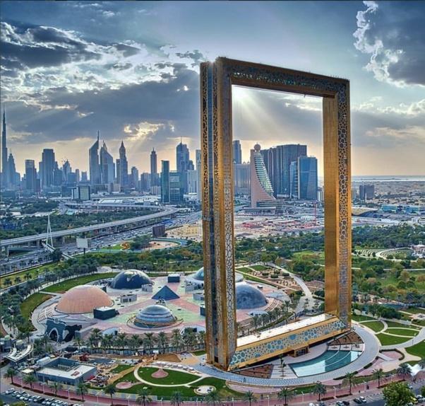 Roommate girl dubai for in boy looking Dubai Forums: