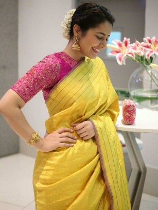 6b8e18f389a572 Or u can also wear yellow and cream colour saree with dark pink blouse.