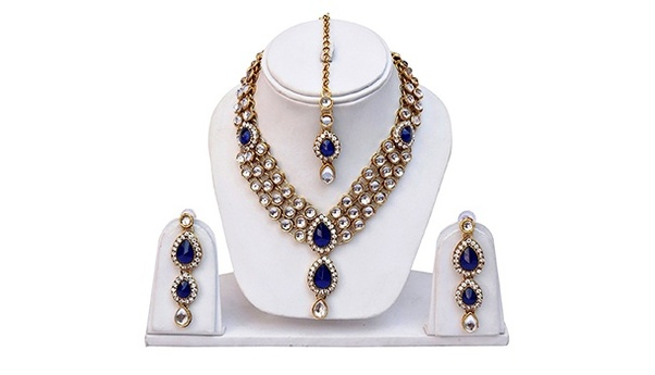 The One Who Loves To Wear Simplicity On Body Gift A Jewellery Set And Excite Her By Planning Birthday Gifts For Mom