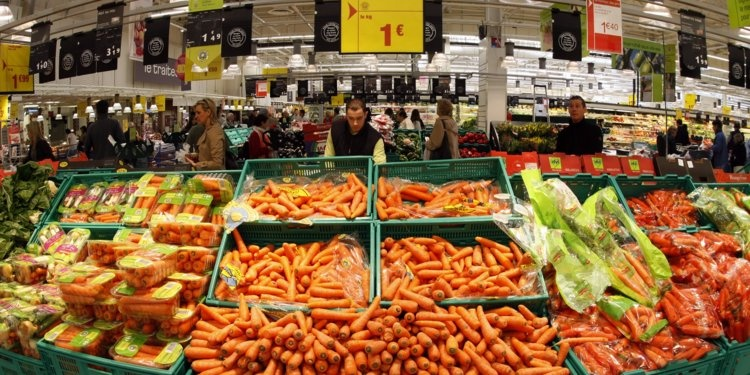 France ban supermarkets from throwing away