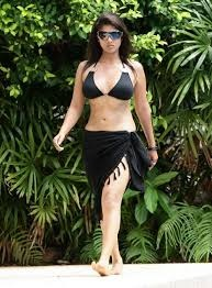 So In These Days She Had No Female Followers Or Fans And During This She Had Relationship With Prabhu Deva Which Went Very Bad Ended That His Wife Went On