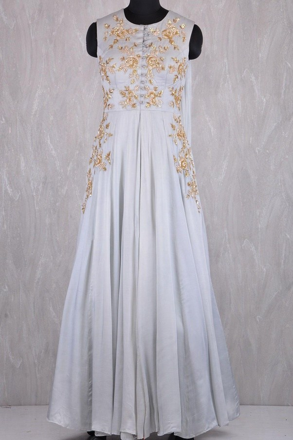 What are some trending traditional/Indo-western dresses to wear at a ...