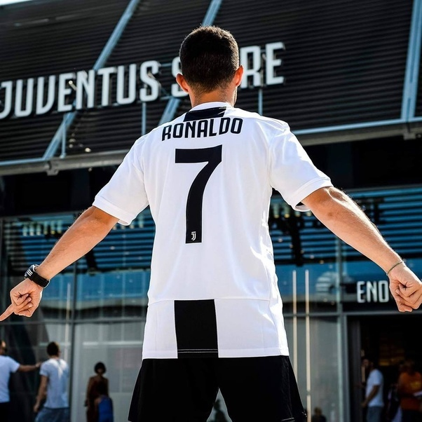 purchase cheap 686e9 ad1e1 What shirt number will Cristiano Ronaldo wear at Juventus ...