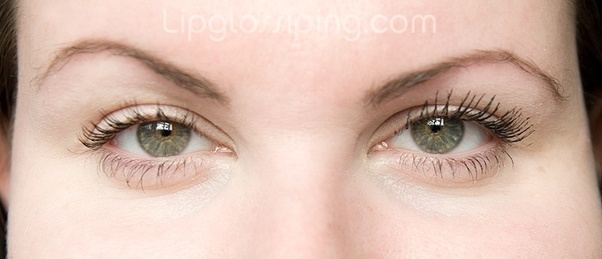 How to make your eyelashes look bigger with mascara - Quora