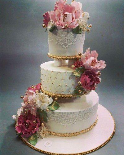 For More Amazing Wedding Cakes In Mumbai