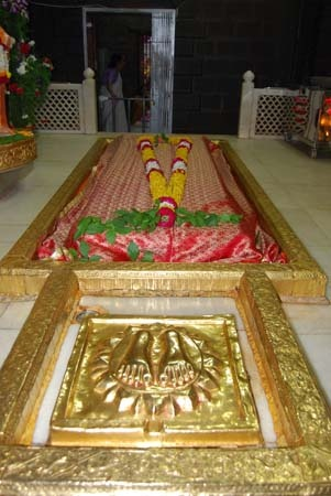 If Sai Baba of Shirdi is Muslim, how come his followers are Hindus