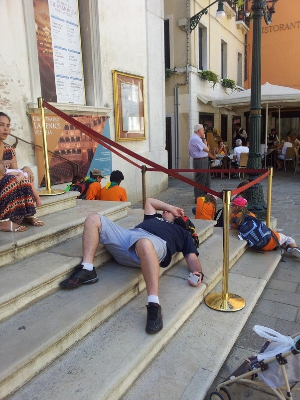 Venice introduces €500 tourist fine for sitting   Better