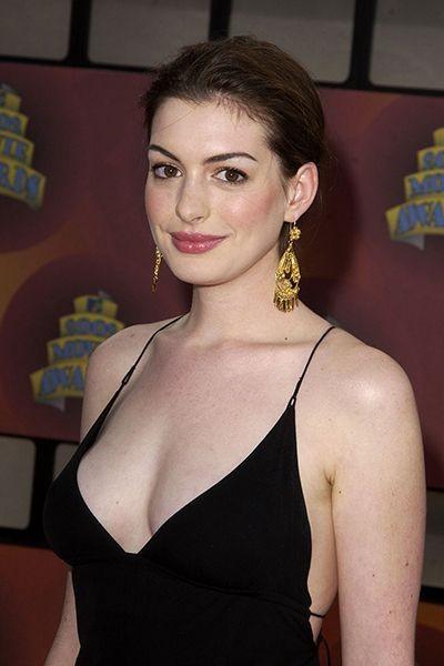 Hathaway hot ann Anne Hathaway